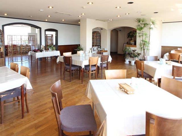 ホテルオークニの朝食会場